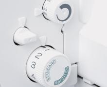 Baby Lock - nastavení délky stehu a automatického rolovaného lemu otočným ovladačem.
